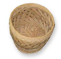 Beberapa contoh hasil kerajianan anyaman lidi kelapa
